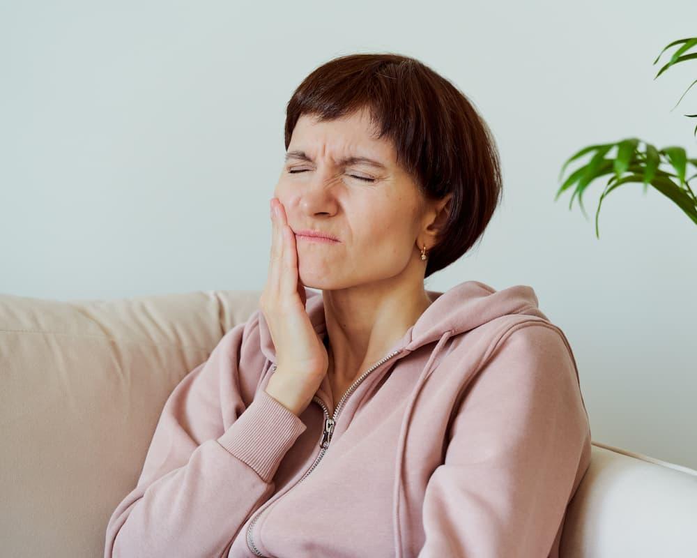 牙齦膿包不可忽略,牙齦膿包會自己好嗎?